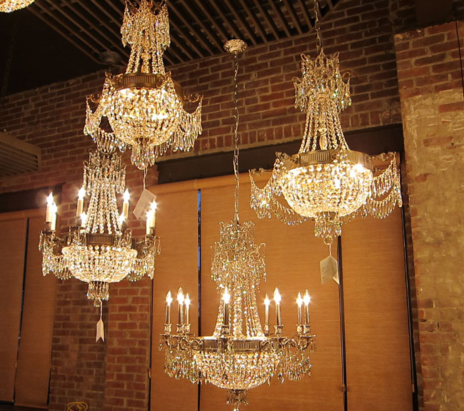 American Brass and Crystal Tour – American Brass and Crystal Chandeliers